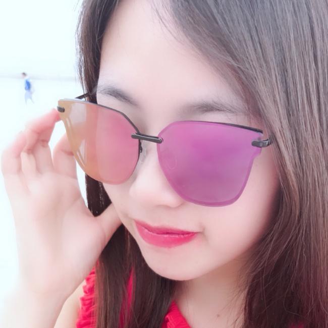 May王照片