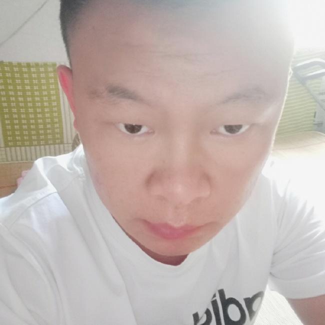杨小龙照片